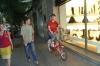 """Evan tries """"bicing"""" in Barcelona ES"""