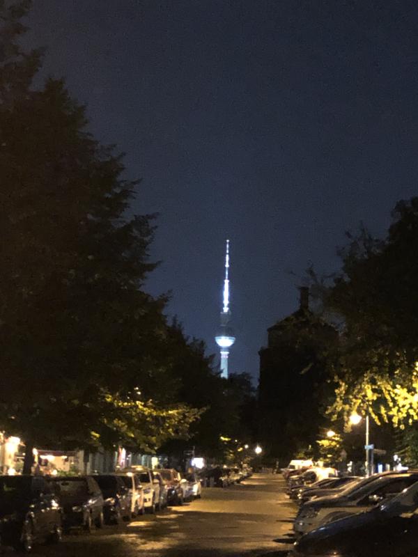 Fernsehrturm (TV Tower), visible form most of Berlin DE