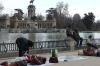 Hawkers in front of the Monument to Alfonso XII in Parque del Buen Retiro, Madrid