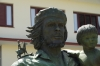 Estatua Che y Nino (Che Guevara & child, symbolising next generation)
